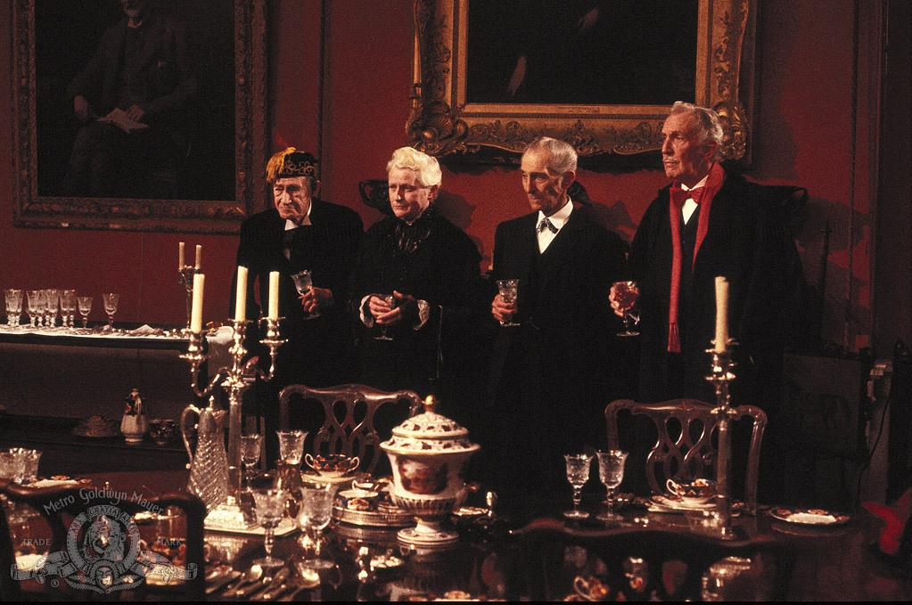 فيلم House Of The Long Shadows 1983 مترجم