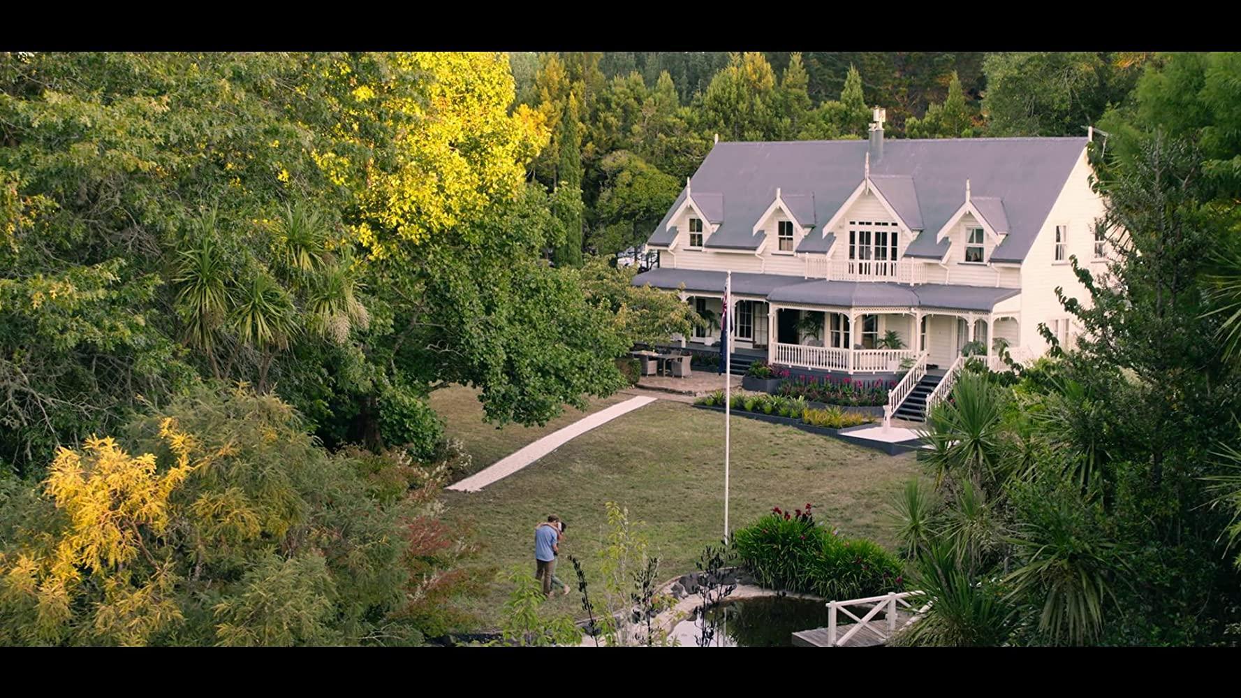 مشاهدة فيلم Falling Inn Love (2019) مترجم HD اون لاين