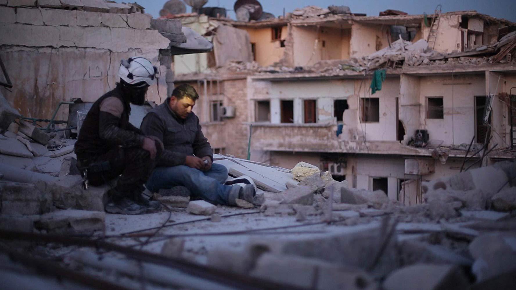 فيلم Last Men in Aleppo 2017 مترجم